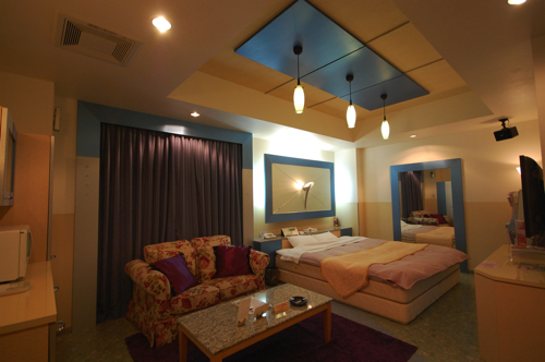room017